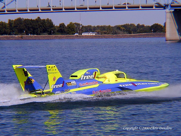 Chris Denslow's gallery of the 2000 Columbia Cup held July 29-31, 2000 at Kennewick, WA