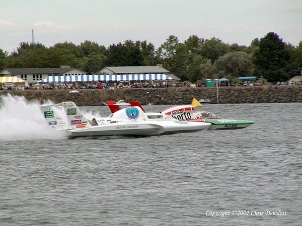Chris Denslow's gallery of the 2001 Columbia Cup held July 27-29, 2001 at Kennewick, WA